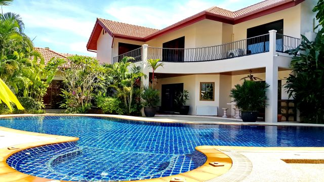 Rawai 2 story villa with 5 bedrooms and pool view.