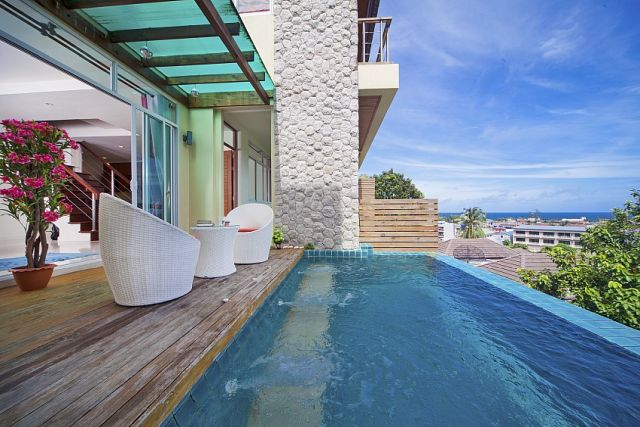Karon 2 bedrooms with your own swimming pool and Jacuzzi