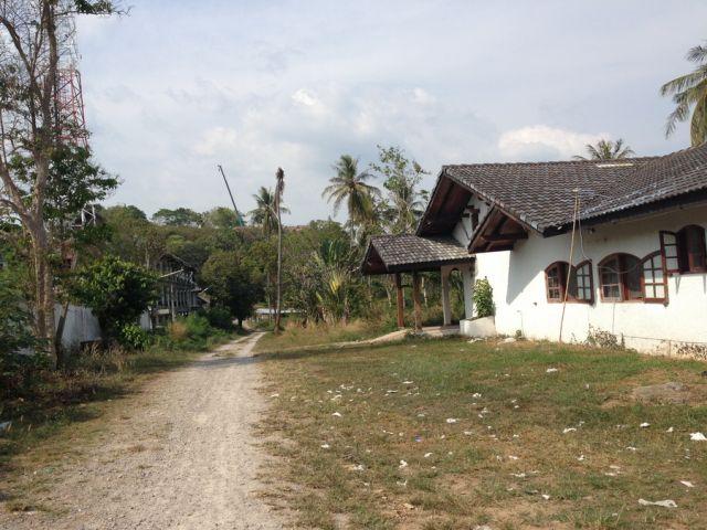 ขายที่ดิน ใกล้หาดราไวย์ ใกล้ อบต.ราไวย์ ( ติดกับหมู่บ้านลานไม้ ) เนื้อที่ 6.5 ไร่  20 ล้าน