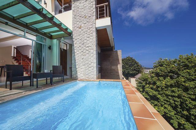 Karon 2 Bedrooms with Ocean views and rooftop terrace