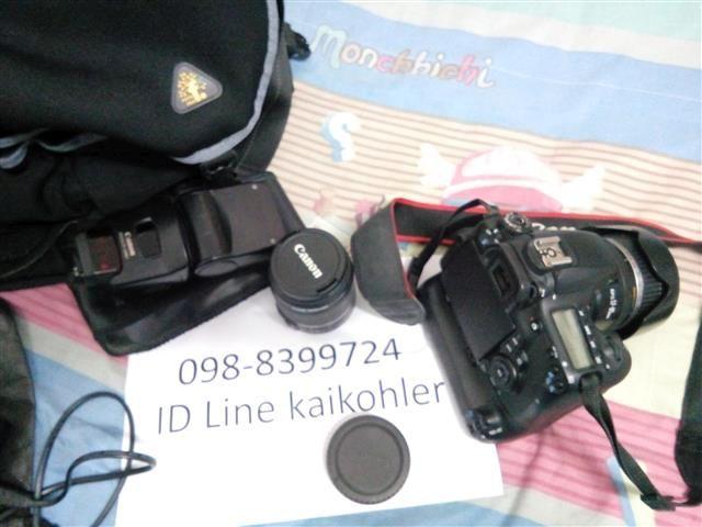กล้อง Canon EOS 60D พร้อมแบตเสริมอุปกรณ์ชุดใหญ่ให้ตามภาพ