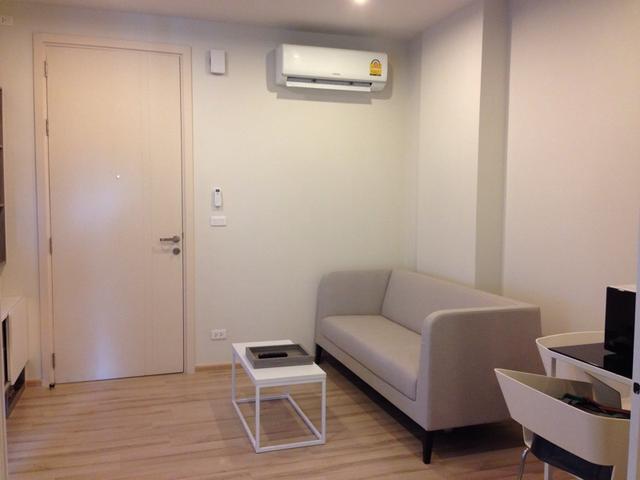 6A110196 ให้เช่าคอนโด  1 ห้องนอน 1 ห้องน้ำ ราคาให้เช่า 18,000 บาทต่อเดือน