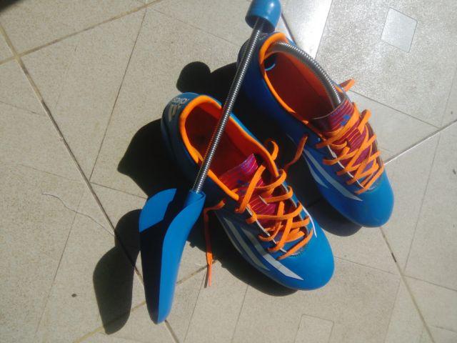 ร้องเท้าฟุตบอล adidas adizero f10 สีฟ้า ของแท้