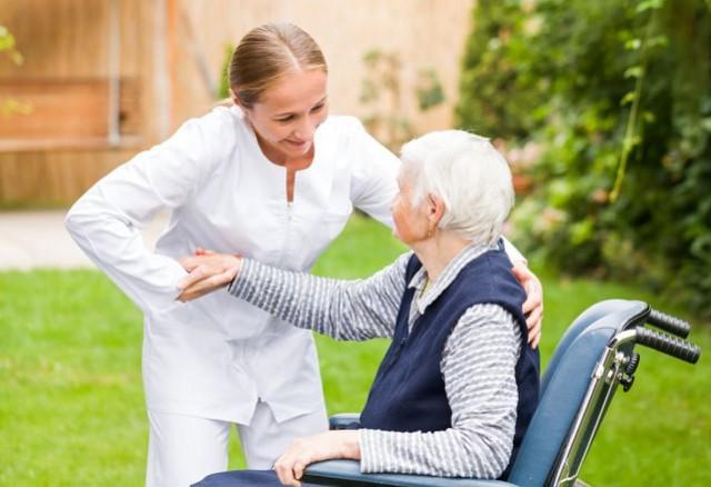 จัดส่งดูแลผู้สูงอายุ เฝ้าไข้ ดูแลผู้ป่วย ไม่มีมัดจำล่วงหน้า