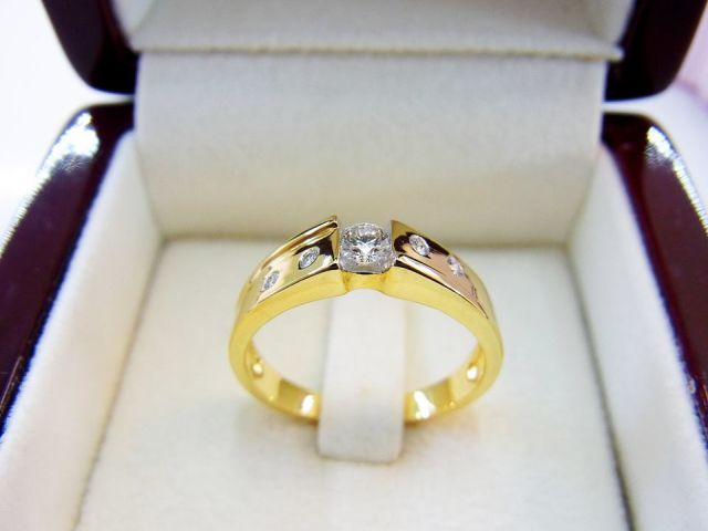 แหวนเพชรแท้ ห้างเพชรกาญจน์ 14,500.-