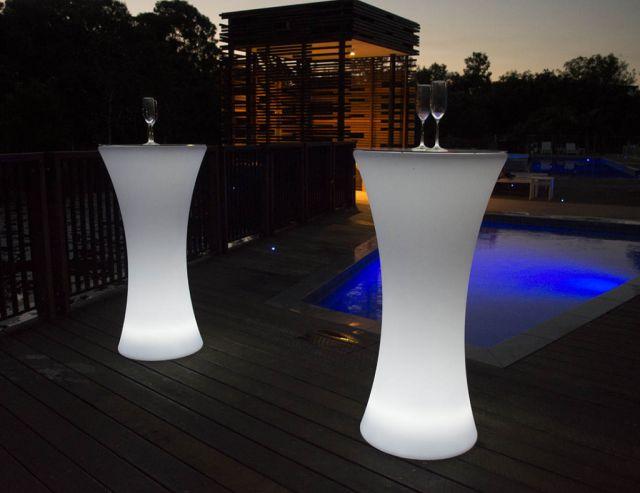 เช่าโต๊ะค๊อกเทล โต๊ะบาร์เรืองแสง โต๊ะงานปาร์ตี้ งานเลี้ยง โต๊ะสูง เก้าอี้บาร์