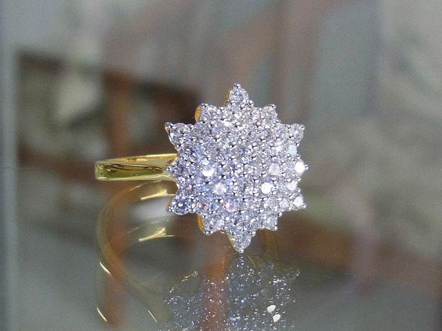 แหวนเพชรแท้ดอกพิกุลใหญ่