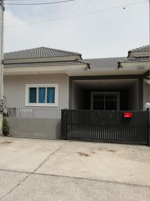CL-0009 -บ้านเดี่ยวชั้นเดียวให้เช่า มี 3 ห้องนอน 2 ห้องน้ำ 1 ห้องครัว 1 ที่จอดรถ