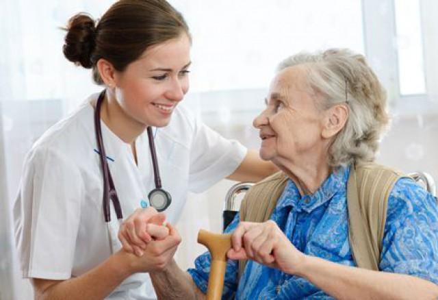 บริการพนักงานดูแลผู้สูงอายุ เฝ้าไข้ แม่บ้านประจำบ้านและรพ.สนใจโทร.0996203981