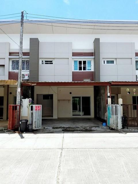 6A120509 ให้เช่าทาวน์เฮ้าส์สองชั้น  3  ห้องนอน 3 ห้องน้ำ พื้นที่ 22.5 ตรว.