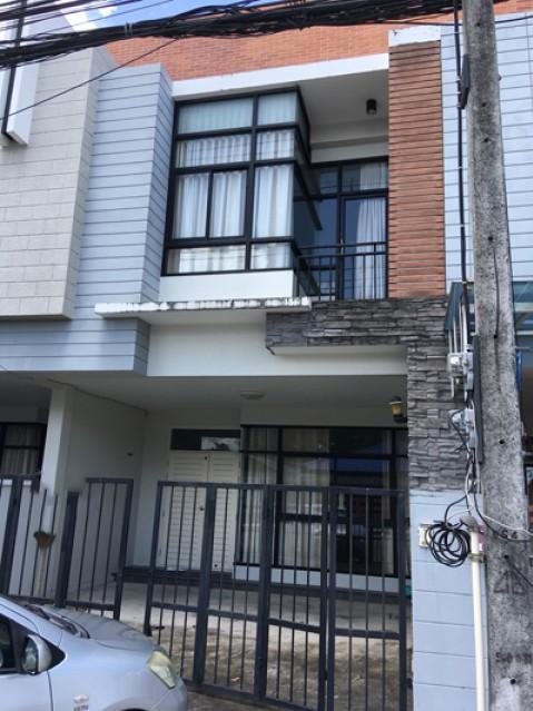 KT-0063 -ทาวน์เฮ้าส์ 2ชั้นให้เช่า มี 3 ห้องนอน 3 ห้องน้ำ 1 ห้องครัว