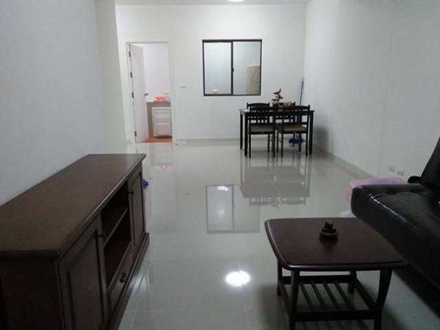 6A111671 ให้เช่าทาวน์เฮ้าส์ 2 ชั้น 3 ห้องนอน 2 ห้องน้ำ พื้นที่ 22 ตรว.