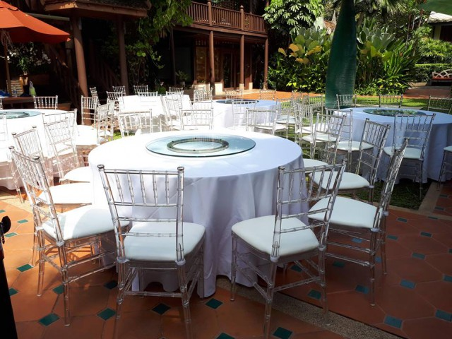 เช่าเต็นท์โดมภูเก็ตเช่าเก้าอี้พลาสติกเก้าอี้นวมเช่าโต๊ะจีนเช่าโซฟา0628123629