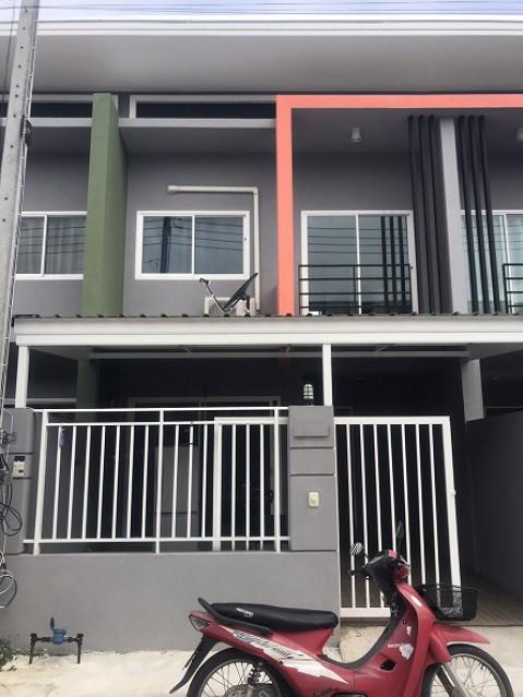 6A20075 ให้เช่าทาวน์เฮ้าส์ 2 ชั้น 2 ห้องนอน 2 ห้องน้ำ พื้นที่ 35 ตรว.