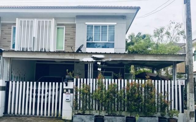 TL-0042 -ทาวน์เฮ้าส์ 2ชั้นให้เช่า มี 3 ห้องนอน 2 ห้องน้ำ 1 ห้องครัว 1 ที่จอดรถ