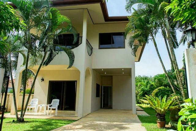 6A80481 ให้เช่าบ้านPool Villa 2ชั้น   พร้อมสระว่ายน้ำส่วนตัว. พื้นที่ 90ตรว.