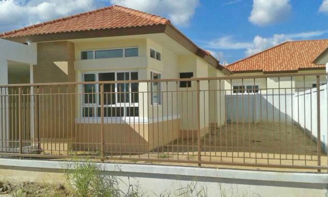 6A90978 ให้เช่าบ้านแฝดชั้นเดียวในโครงการ 3 ห้องนอน 2 ห้องน้ำ.