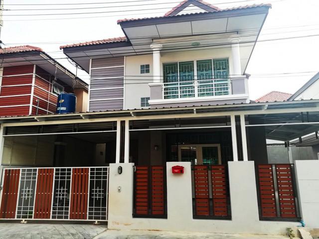 6A90982 ให้เช่าบ้านเดี่ยว 2 ชั้นในโครงการย่านเศรษฐกิจ  พื้นที่ 32 ตรว.