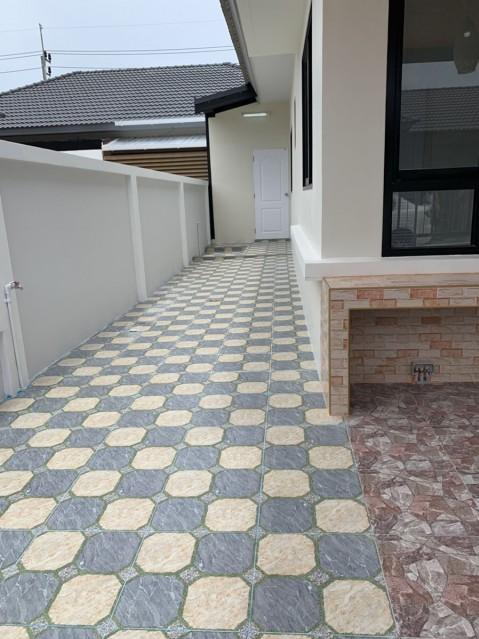 6A20086 ให้เช่าบ้านแฝดชั้นเดียวในโครงการใกล้สนามบิน พื้นที่ 28 ตรว. 2นอน2น้ำ